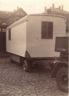 Aufbau - Umbau Anhänger Bauwagen